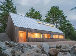 Eigenheim Gesucht Ruhige Zuflucht Haus In Dichtem Wald Erinnert An Ein Berghütte