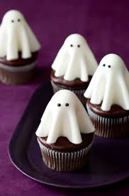 halloween cupcake ideas best 25 ghost cupcakes ideas on pinterest halloween cupcakes