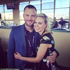 laura bell bundy marries longtime beau thom hinkle daily mail online