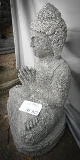 statues de jardin en pierre statue de jardin bouddha assis position prière 50 cm
