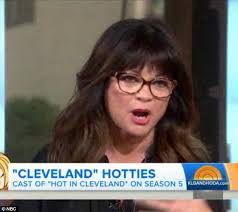 how to get valerie bertinelli current hairstyle valerie bertinelli 54 looks slender in black as she joins hot in
