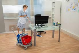 femme de m駭age bureau nettoyage de bureaux luxe femme de ménage pour le nettoyage de