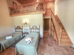 une chambre pour quatre duplex et communicantes hôtel babot
