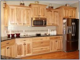 kitchen cabinet stain colors on oak popular stain colors for kitchen cabinets trekkerboy