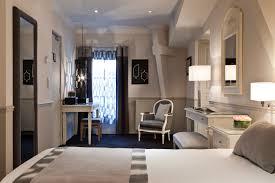 chambre d h e chantilly chambre standard standard room château de montvillargenne