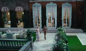 gatsby mansion the sets from baz luhrmann s great gatsby including nick s cottage