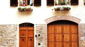 exploring the tuscan town of san gimignano italy aye wanderful