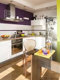 peinture cuisine moderne design interieur peinture cuisine moderne aubergine blanc vert anis
