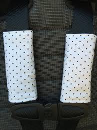protege ceinture siege auto bébé couvre sangles poussette siège d auto carrés par 45delafabrique