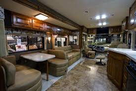 Class A Motorhome With 2 Bedrooms 3 Bedroom Rv Rental