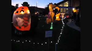 Outdoor Halloween Decor by Cool Outdoor Halloween Decorations With Giant Inflatable Scooby
