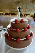 hochzeitstorte erdbeeren der brockenbäcker torten hochzeitstorten brot und backwaren