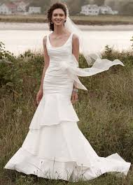 wedding dresses 500 10 gorgeous gowns for 500 huffpost