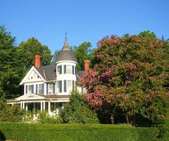 Queen Anne Victorian File Queen Anne Victorian Huge Crepe Myrtle Panoramio Jpg