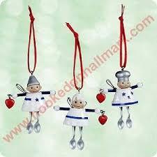 2003 kitchen hallmark miniature ornament
