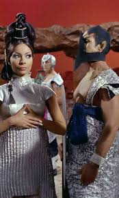18 fabulous star trek costumes and fashions from the original series