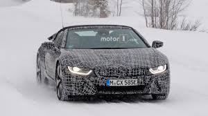 Bmw I8 Roadster - bmw i8 spyder spied out of its element in the snow