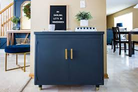 painting metal kitchen cabinets with chalk paint the beginner s guide to painting furniture with chalk paint