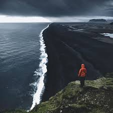 black sand beach in iceland pics