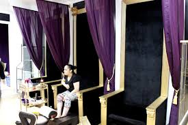 nail salon complete with pedicure u0027thrones u0027 offers a royal
