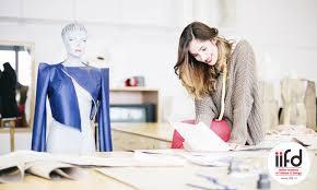 fashion designer tips on becoming a fashion designer iifd