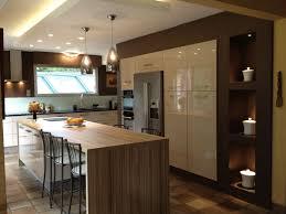 cuisine avec ilot bar ilot central bar cuisine cuisine blanche et bois design et