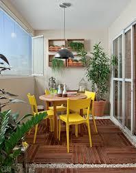 varanda gourmet com churrasqueira deque e jardim vertical