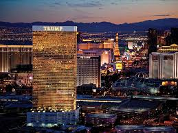 trump one bedroom deluxe suite high flo vrbo gilded with 24k gold glass windows the trump las vegas is an excellent addition