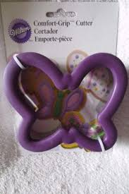 Comfort Grip Cookie Cutters Shop Wilton Comfort Grip Maple Leaf Cookie Cutter 4 At Balligifts