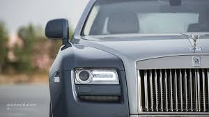 roll royce maroon rolls royce ghost review autoevolution