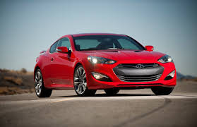 hyundai genesis com hyundai genesis coupe breaking photos