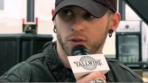 brantley gilbert earrings brantley gilbert crs 2013