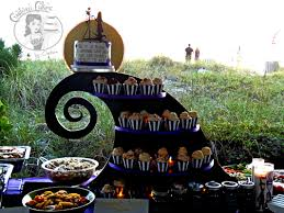 Halloween Cake Plate Stand by Halloween Wedding Cake U0026 Custom Cake Stand Nightmare Before