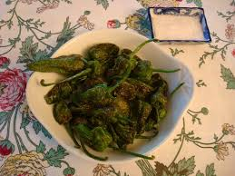 cuisiner le poivron vert tapa pimientos de padrón piments de padrón d accord mr