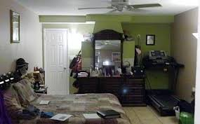 Small Bedroom Staging Bedrooms In Disarray U2013 Ugly House Photos