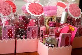 bridesmaids gift ideas 5 bridesmaid s gift ideas for your destination wedding liz