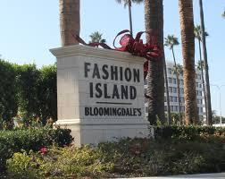 fashion island christmas tree arrives in newport beach