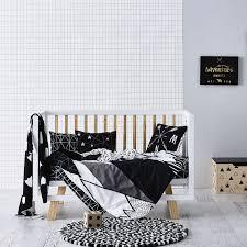 chambre bebe noir chambre enfant en noir et blanc 14 idées design et faciles