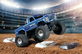 bigfoot the monster truck videos traxxas rc recreates the famed bigfoot no 1 monster truck photo