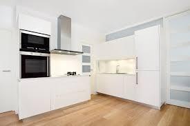parquet dans une cuisine cuisine quel parquet pour votre cuisine easy devis