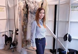 moving to your love nest soon you could get monique lhuillier