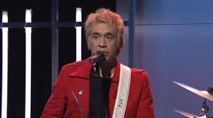 Snl Red Flag Snl U0027 Fred Armisen Says Farewell In Song With Carrie Brownstein
