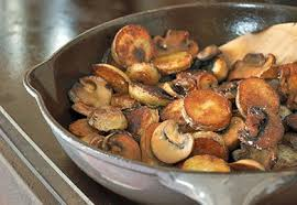 cuisiner des cepes frais poêlée de pommes de terre aux chignons recette interfel les