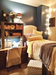 Dorm Room Decorating Ideas U0026 by Best 25 Cozy Dorm Room Ideas On Pinterest Dorm Ideas College