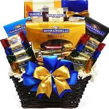 summer gift basket best 25 summer gift baskets ideas on summer gifts