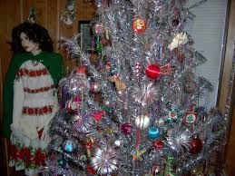 the aluminum christmas tree love it or it now with color