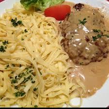 cuisiner steak haché indémodable steak haché sauce poivre pâtes recette de