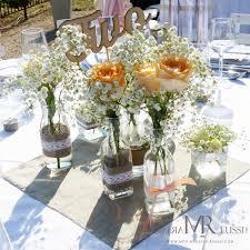 noms de table mariage centre de table bohème chic mini vase avec rose et gypsophile