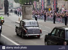 roll royce royal royal wedding rolls royce phantom vi whitehall london uk stock