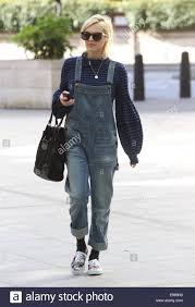 fearne cotton rocks a pair of denim dungarees on good friday as